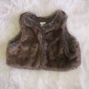Baby gap faux fur vest 0-6 months